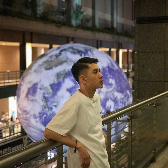 """Góc sửng sốt: Đài Loan """"chơi lớn"""" mang hẳn Trái Đất thu nhỏ xuống trưng bày, giới trẻ đua nhau kéo đến check-in - ảnh 3"""