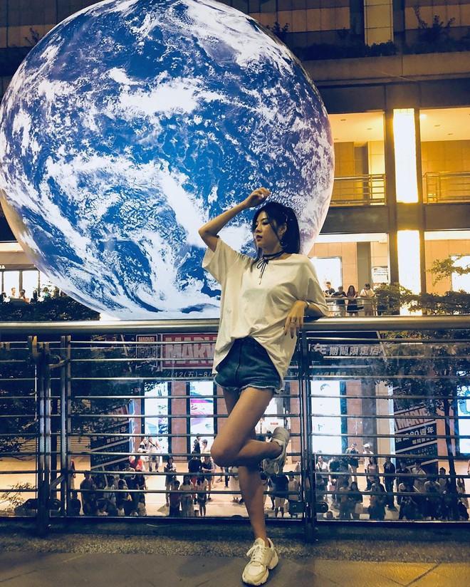 """Góc sửng sốt: Đài Loan """"chơi lớn"""" mang hẳn Trái Đất thu nhỏ xuống trưng bày, giới trẻ đua nhau kéo đến check-in - ảnh 7"""