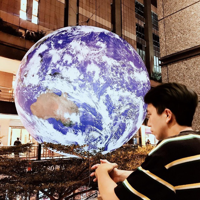 """Góc sửng sốt: Đài Loan """"chơi lớn"""" mang hẳn Trái Đất thu nhỏ xuống trưng bày, giới trẻ đua nhau kéo đến check-in - ảnh 13"""