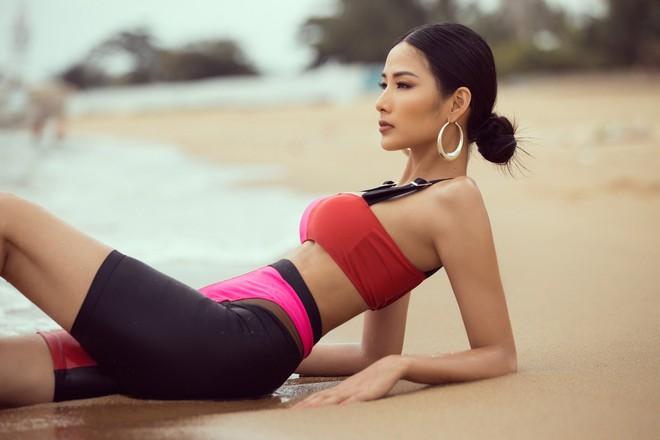 Mãn nhãn với body săn chắc, nóng bỏng của Hoàng Thùy khi diện áo tắm trước thềm Miss Universe 2019 - ảnh 8