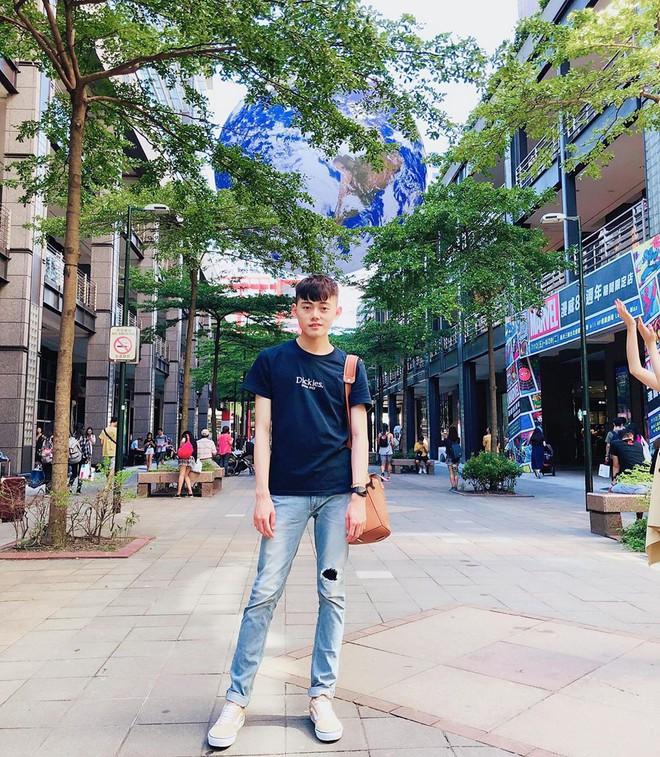 """Góc sửng sốt: Đài Loan """"chơi lớn"""" mang hẳn Trái Đất thu nhỏ xuống trưng bày, giới trẻ đua nhau kéo đến check-in - ảnh 12"""