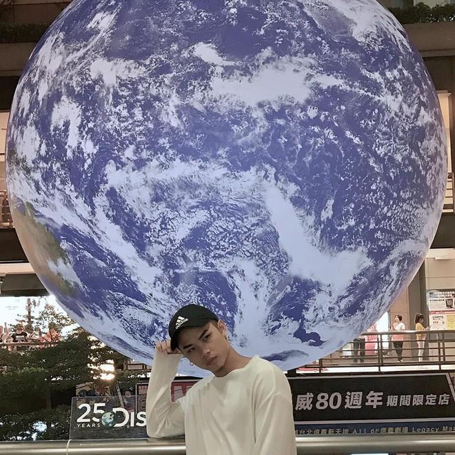 """Góc sửng sốt: Đài Loan """"chơi lớn"""" mang hẳn Trái Đất thu nhỏ xuống trưng bày, giới trẻ đua nhau kéo đến check-in - ảnh 16"""