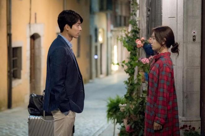 Không chỉ bà chủ IU và anh cận vệ ở Hotel Del Luna, phim Hàn còn tận 4 cặp đôi cướp nước mắt của khán giả - Ảnh 10.