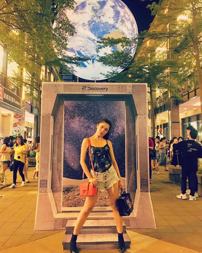 """Góc sửng sốt: Đài Loan """"chơi lớn"""" mang hẳn Trái Đất thu nhỏ xuống trưng bày, giới trẻ đua nhau kéo đến check-in - ảnh 18"""