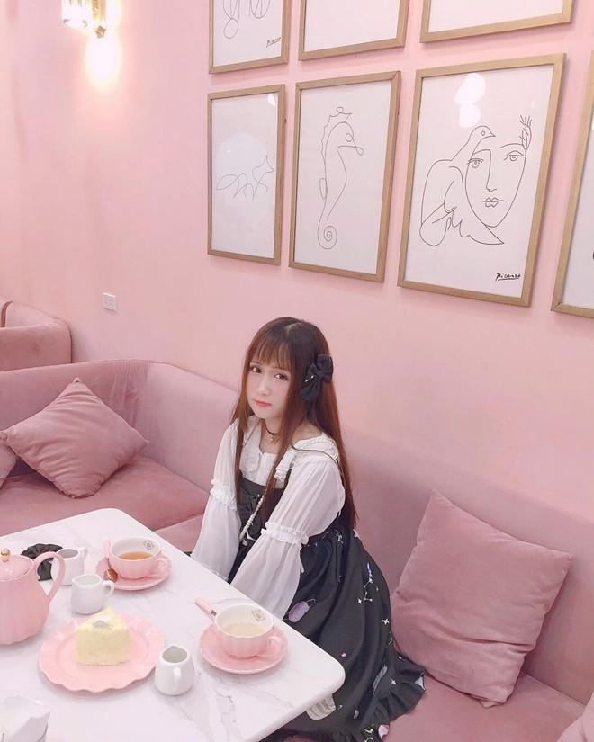 Vô vàn quán xinh màu hồng ở Việt Nam nhưng Ngọc Trinh lại đặc biệt ưa thích tiệm bánh này, còn ghé 2 lần dù cách xa… 1500 km - ảnh 12