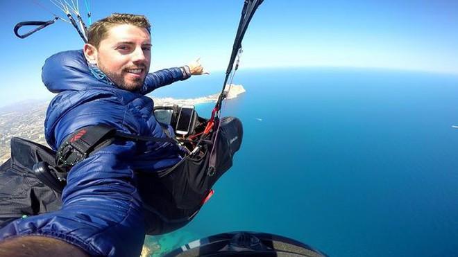 Nhảy xuống từ ống khói nhà máy cao 50 m, nam YouTuber thiệt mạng trong lúc quay hình vì dù không bung mở - ảnh 3