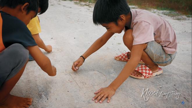 Khoai Lang Thang: Điều Khoai mong muốn sau hành trình này là con trẻ được vui chơi và bồi đắp tâm hồn trên chính mảnh đất quê hương - ảnh 1