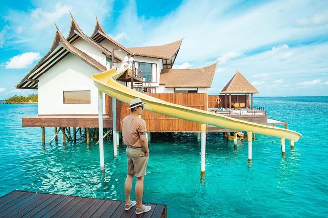 """Hot: Ông bầu Vũ Khắc Tiệp ra vlog mới, chi hẳn nửa tỉ thuê khách sạn sang chảnh nhất Maldives để ở """"sương sương"""" - ảnh 2"""