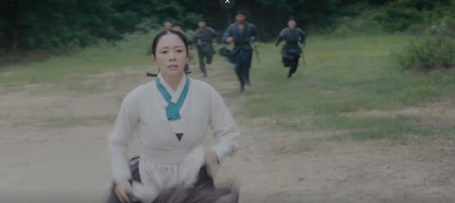 Tân Binh Học Sử Goo Hae Ryung: Chẳng nam chính nào khổ như Cha Eun Woo, vừa bị crush phũ vừa bị cha đối xử cay nghiệt - Ảnh 7.
