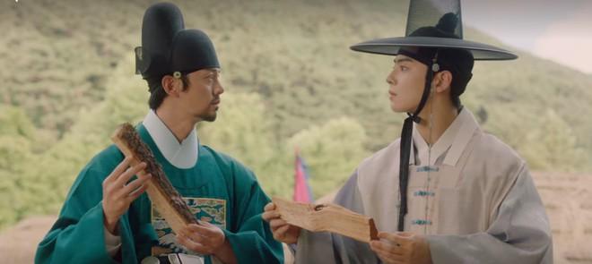Tân Binh Học Sử Goo Hae Ryung: Chẳng nam chính nào khổ như Cha Eun Woo, vừa bị crush phũ vừa bị cha đối xử cay nghiệt - Ảnh 15.