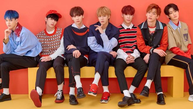 Fan quốc tế chọn 10 đại diện khởi đầu thế hệ mới của Kpop, Knet phản pháo: BTS và BLACKPINK vẫn còn nổi lắm, quan tâm gen 4 làm gì? - Ảnh 15.