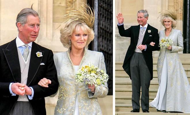 Những trang phục ẩn chứa 'mật mã' của hoàng gia Anh: Công nương Kate đầy tinh tế nhưng ấn tượng nhất là 'chiếc váy báo thù' của Diana - ảnh 6