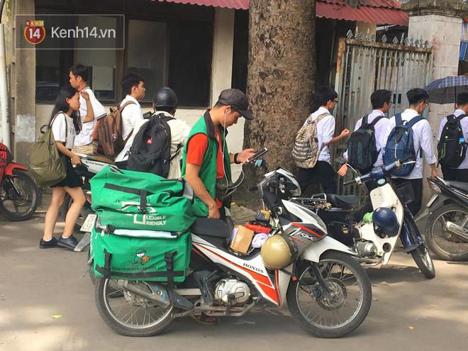 Chạy Grab kiếm 30 triệu/tháng, nam sinh Hà Nội tiết lộ những mặt tối phía sau chuyện bùng hàng cùng hiểm nguy chết người của nghề xe ôm công nghệ - Ảnh 7.