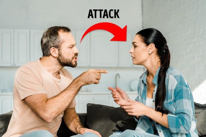 6 giai đoạn khó khăn mà cặp đôi nào cũng phải trải qua: Nếu vượt qua được, tình yêu của bạn sẽ hạnh phúc dài lâu - ảnh 2