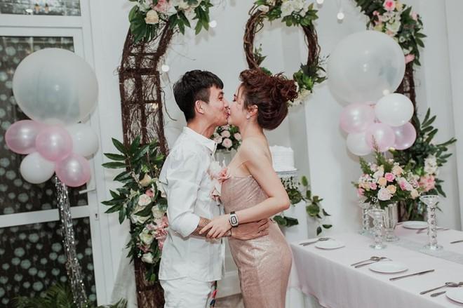 Tất tật drama của Mina Phạm sau đám cưới con gái Minh Nhựa: Tưởng vợ 2 chỉ là nhân vật phụ mà chiếm sóng còn hơn cả cô dâu! - ảnh 17