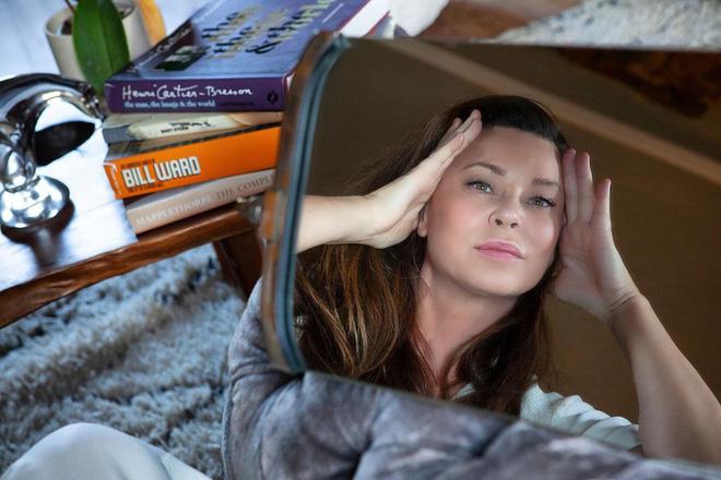 Chuyên gia của Meghan Markle chia sẻ 10 bước massage giúp Công nương có được làn da luôn căng bóng, trẻ trung - ảnh 4