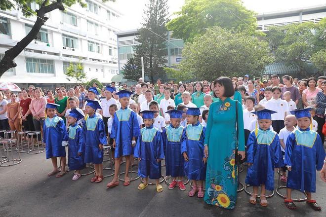 Gặp cô giáo 10 năm miệt mài dạy chữ cho trẻ em tại bệnh viện ung bướu Thành phố Hồ Chí Minh - ảnh 4
