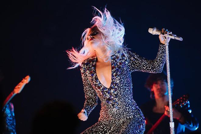 Chuyện hủy show: Taylor Swift diễn 10 năm hủy đúng 1 show, Ariana Grande chưa phải là Nữ hoàng hủy show thực sự! - ảnh 6