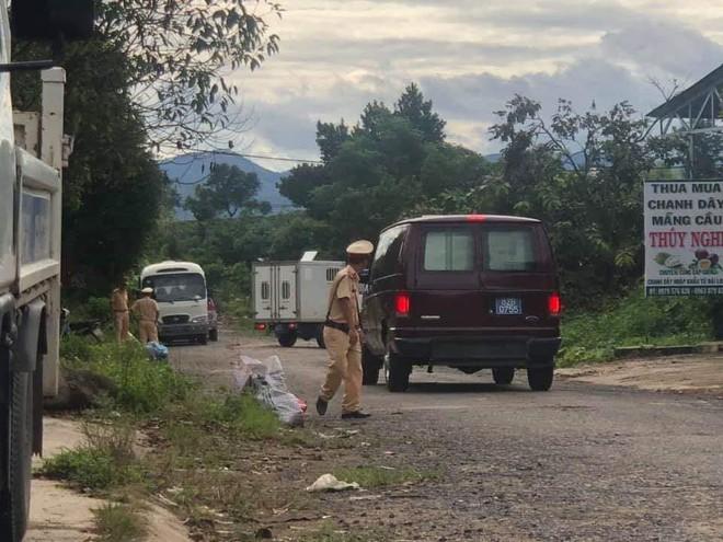 Phát hiện thêm 2 kho chứa hàng chục tấn hóa chất để chế biến ma túy ở Bình Định - ảnh 2
