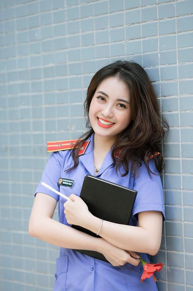 Cựu sinh viên ĐH Kiểm sát Hà Nội xinh chẳng kém gì hotgirl với nụ cười tỏa nắng nhìn là yêu - ảnh 1