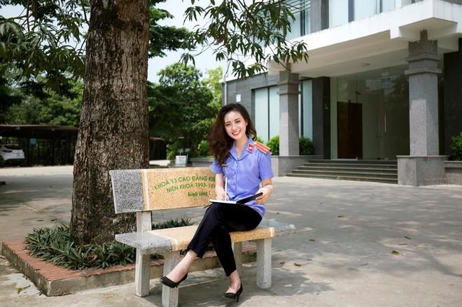 Cựu sinh viên ĐH Kiểm sát Hà Nội xinh chẳng kém gì hotgirl với nụ cười tỏa nắng nhìn là yêu - ảnh 7