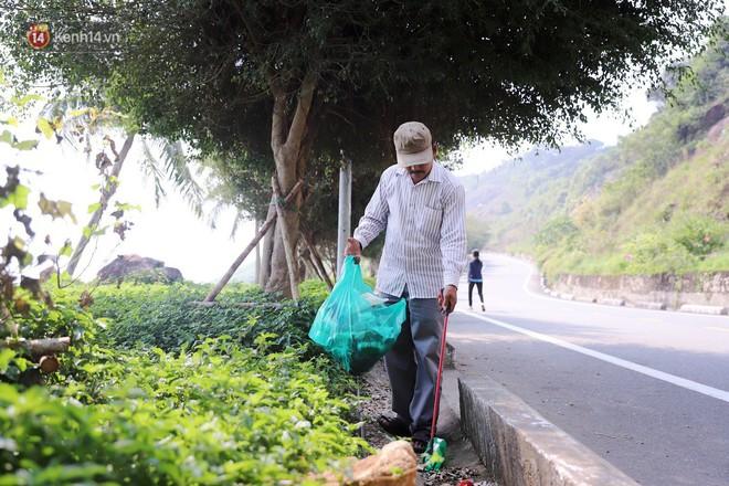 Ông chú bán kem dễ thương nhất Đà Nẵng: 3 năm cặm cụi nhặt rác ở bán đảo Sơn Trà - ảnh 1