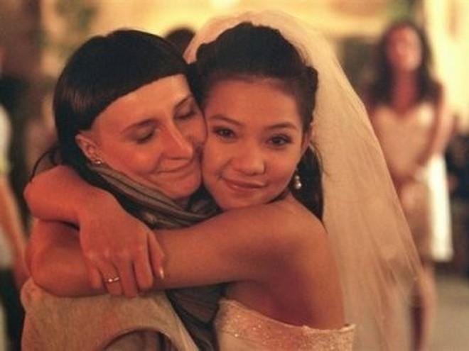 10 năm hành trình nhan sắc của Lưu Đê Ly: Từ cô gái cằm thô, mũi thấp đến nhan sắc sau 6 ca phẫu thuật thẩm mỹ ở Hàn được khen tới tấp - ảnh 4