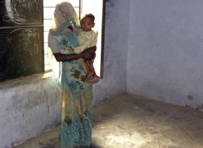 Phụ nữ Ấn Độ phải chịu cảnh ăn nằm với anh em của chồng, đẻ con không biết ai là bố đứa trẻ bởi chế độ đa phu cổ hủ - ảnh 2