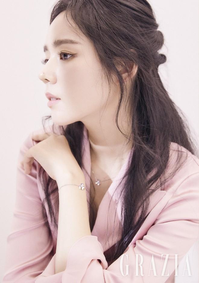 Lâu rồi Suzy mới gây sốt với nhan sắc cận cảnh đỉnh cao thế này, nhưng lại gây tranh cãi khi khi đặt cạnh Han Ga In - Ảnh 8.