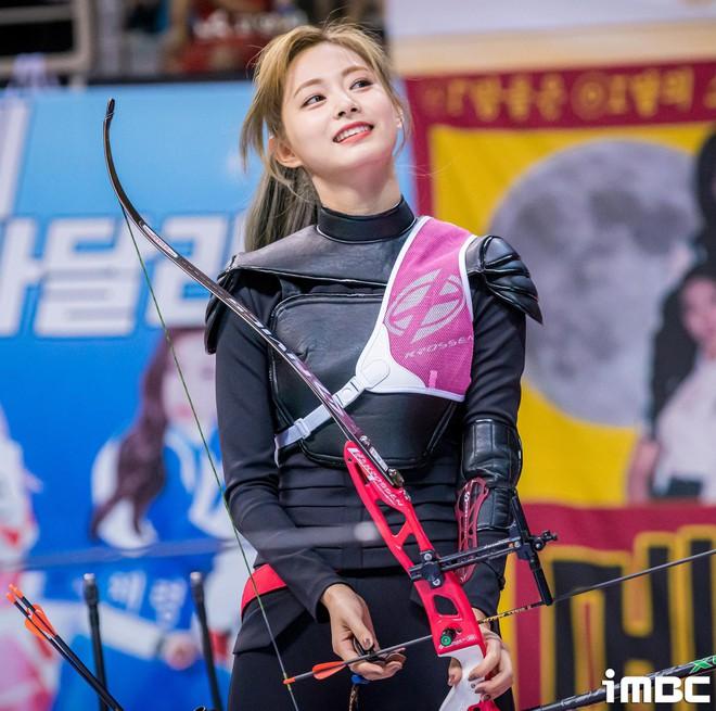 Có một mỹ nhân bỗng thành nữ thần Tết Trung Thu xứ Hàn chỉ nhờ khoảnh khắc bắn tên xuất thần tại đại hội thể thao idol - ảnh 8