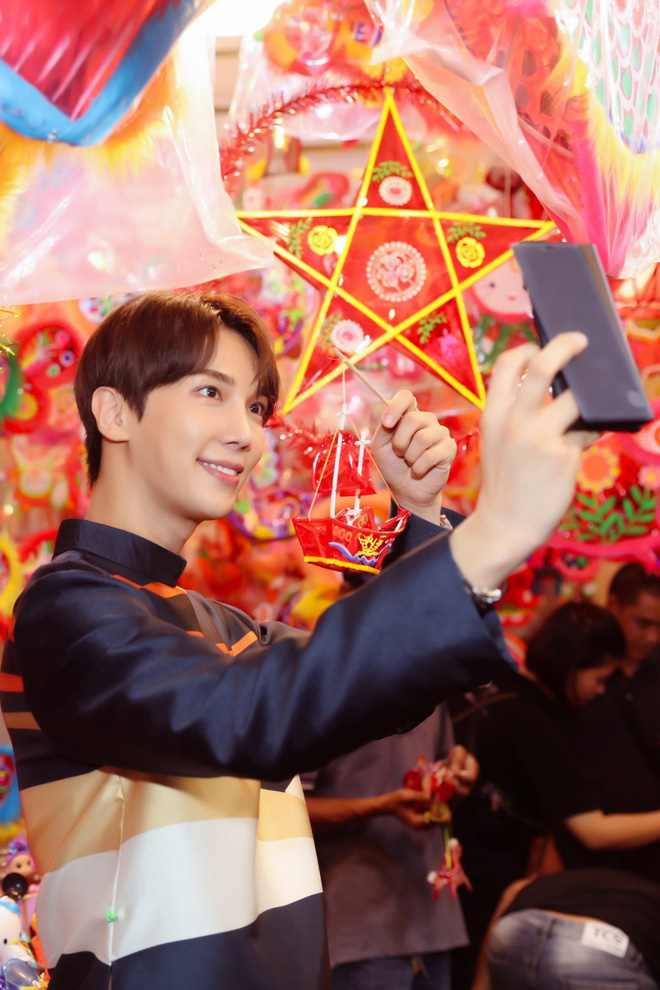 Không phải Trấn Thành, Hari Won bất ngờ tình tứ bên mỹ nam nhóm nhạc Kpop đình đám một thời trong bộ ảnh Trung Thu - ảnh 3