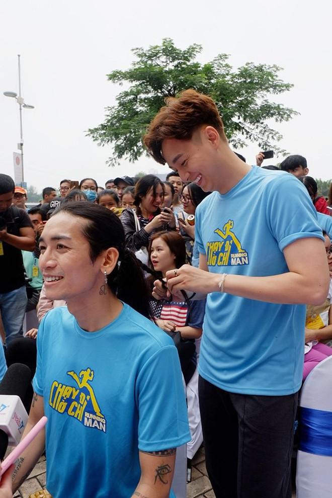 Phản ứng bất ngờ của bố mẹ Ngô Kiến Huy trước tin đồn con trai yêu BB Trần hậu chia tay Khổng Tú Quỳnh - ảnh 3