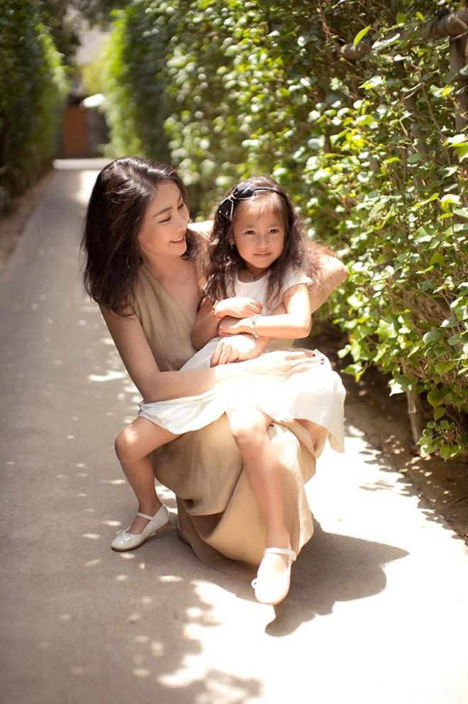 Tan chảy vì ảnh đời thường của con gái 4 tuổi Hoa hậu Hà Kiều Anh: Ngày càng xinh, dự sẽ thành tiểu mỹ nhân Vbiz - ảnh 4