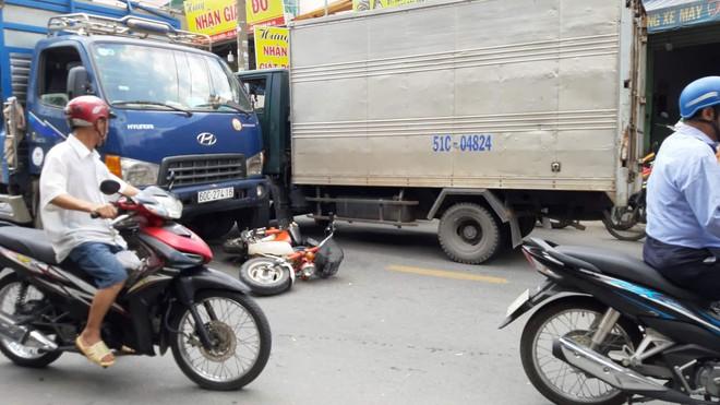 TP.HCM: Tài xế và phụ xe liên tục hét mất thắng trước khi gây tai nạn liên hoàn khiến 2 người bị thương nặng - ảnh 1