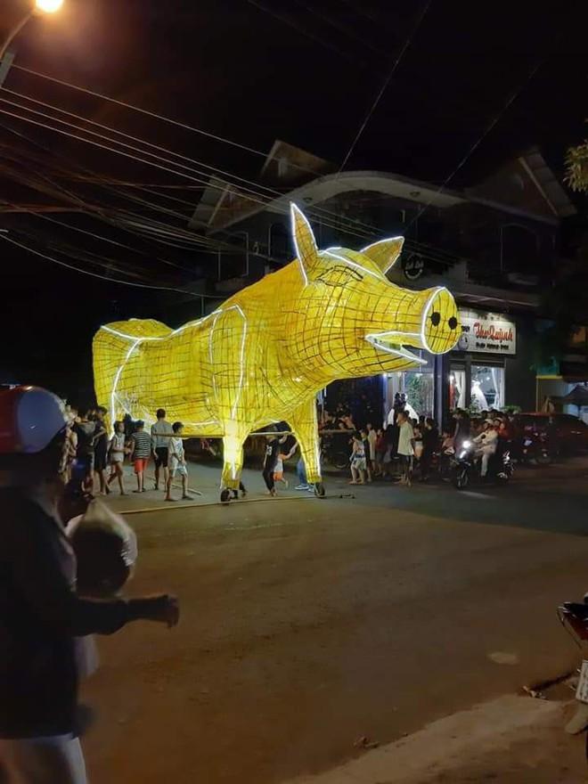 Những chiếc đèn lồng siêu to khổng lồ với muôn vàn biểu cảm hài hước trong dịp Trung thu khiến nhiều người bật cười ngặt nghẽo - ảnh 8