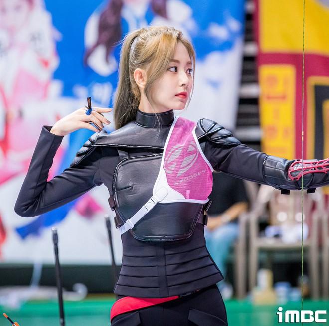 Có một mỹ nhân bỗng thành nữ thần Tết Trung Thu xứ Hàn chỉ nhờ khoảnh khắc bắn tên xuất thần tại đại hội thể thao idol - ảnh 6