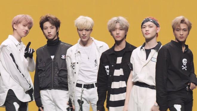 20 nghệ sĩ Kpop bán đĩa giỏi nhất 2019: BTS đẳng cấp dẫn đầu, BLACKPINK mất dạng, Baekhyun đại diện EXO oanh tạc BXH - Ảnh 9.
