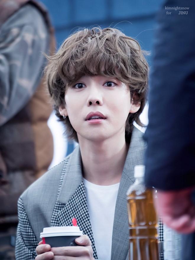 Trời sang thu là trai Hàn rủ nhau uốn tóc xoăn, max đẹp trai khiến chị em lịm người - ảnh 4