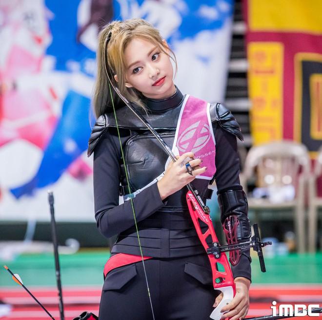 Có một mỹ nhân bỗng thành nữ thần Tết Trung Thu xứ Hàn chỉ nhờ khoảnh khắc bắn tên xuất thần tại đại hội thể thao idol - ảnh 4