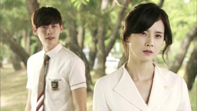 6 chàng phi công điển trai trên phim Hàn: Quản lý Goo (Hotel Del Luna) vẫn chưa cưng bằng trai trẻ của Chị Đẹp? - Ảnh 15.