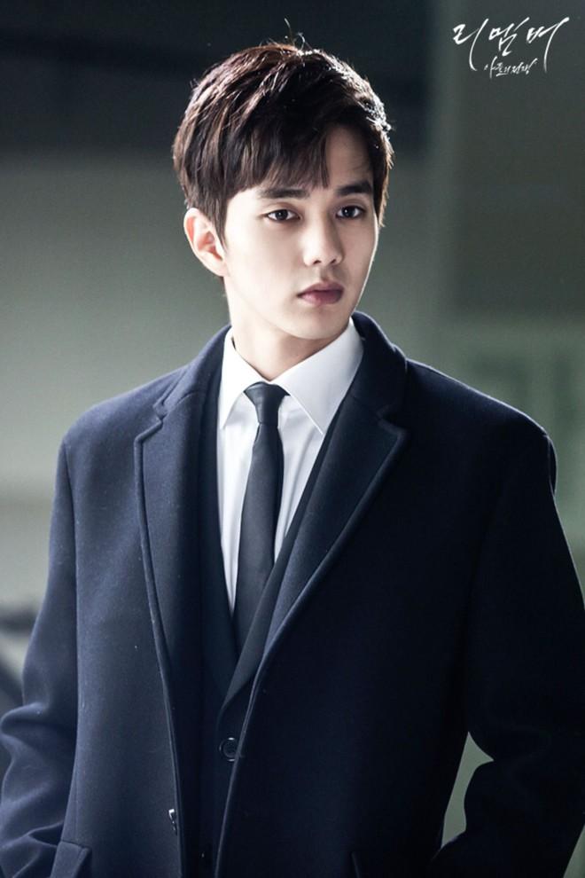 6 chàng phi công điển trai trên phim Hàn: Quản lý Goo (Hotel Del Luna) vẫn chưa cưng bằng trai trẻ của Chị Đẹp? - Ảnh 11.