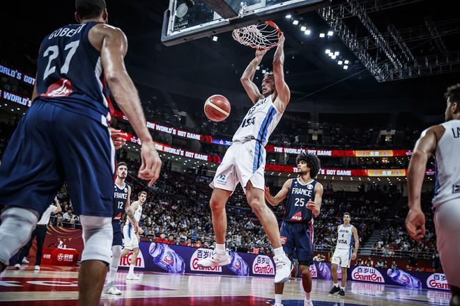 Chẳng cần sao số, đội bóng quê hương của Messi vẫn viết tiếp câu chuyện cổ tích ở FIBA World Cup 2019 - ảnh 2
