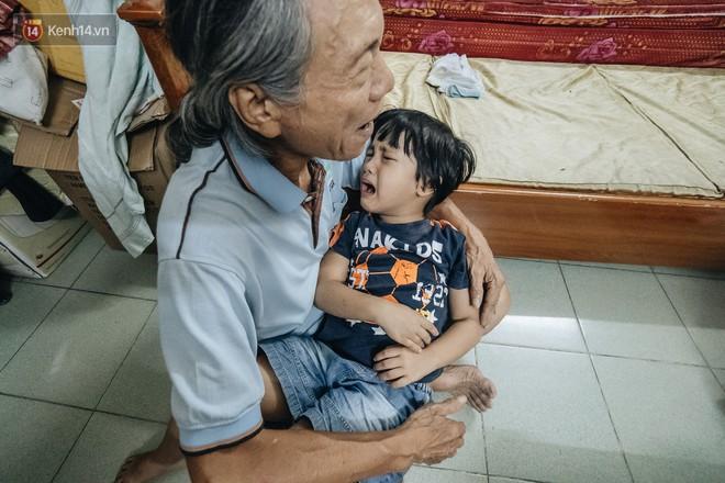 Chuyện nữ bác sĩ 53 tuổi sinh đôi 2 bé gái ở Hà Nội: Tôi có được con là tốt lắm rồi, không có chúng đời tôi còn khổ hơn nữa - ảnh 13