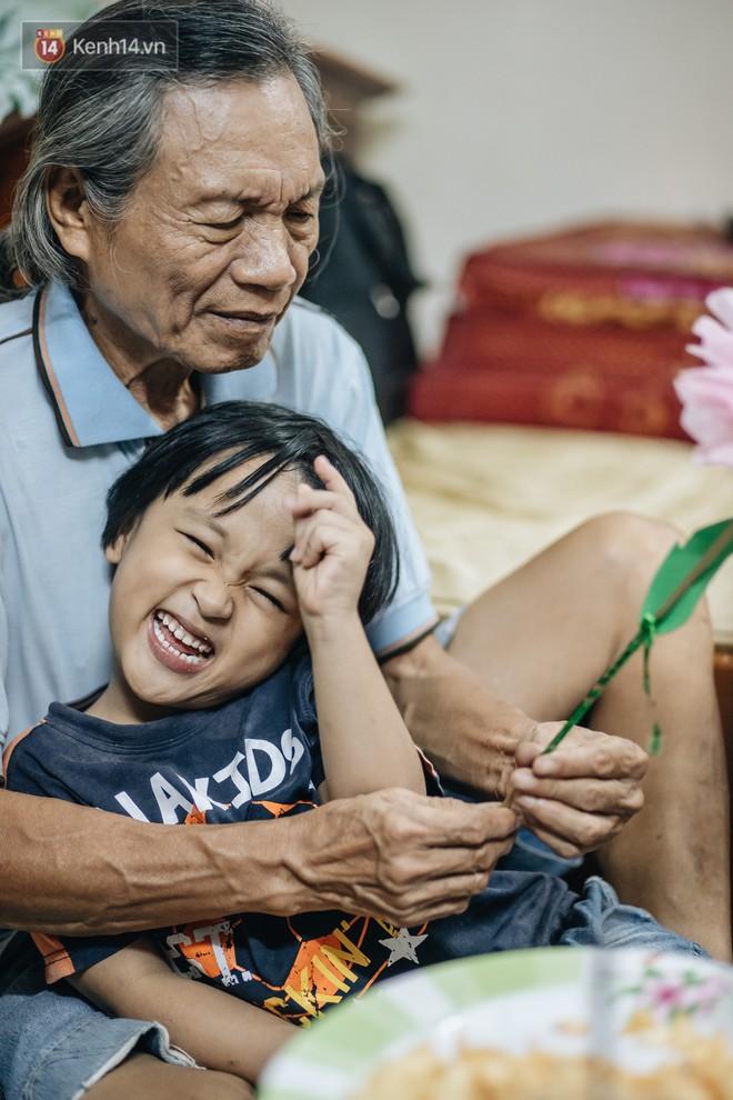 Chuyện nữ bác sĩ 53 tuổi sinh đôi 2 bé gái ở Hà Nội: Tôi có được con là tốt lắm rồi, không có chúng đời tôi còn khổ hơn nữa - ảnh 4