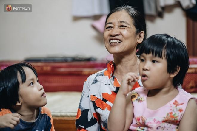 Chuyện nữ bác sĩ 53 tuổi sinh đôi 2 bé gái ở Hà Nội: Tôi có được con là tốt lắm rồi, không có chúng đời tôi còn khổ hơn nữa - ảnh 12