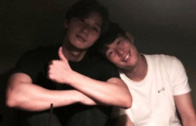 Cầu thủ dính tin hẹn hò Jisoo (BLACKPINK): Siêu giàu, thân với Park Seo Joon, từng hẹn hò 2 idol Kpop ngực khủng - Ảnh 8.