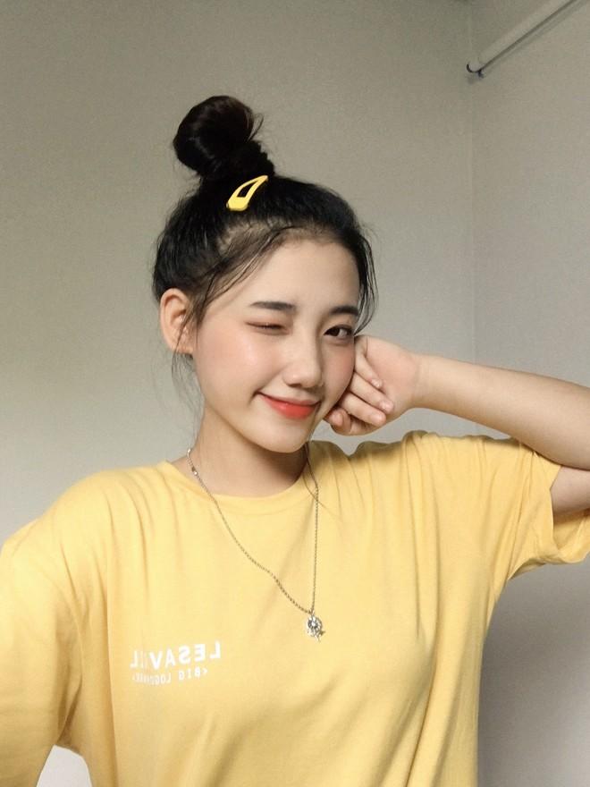 Hotgirl áo dài Đà Nẵng gây sốt bởi  góc nghiêng cực giống Suzy, sở hữu hơn 60k follow Instagram và hàng chục clip triệu view - ảnh 8