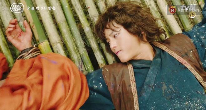 Arthdal Niên Sử Kí tập 16: Song Joong Ki suýt mất mạng nếu không có mỹ nhân Nhật Erika Karata! - Ảnh 2.
