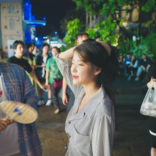 Có một kiểu áo sơ mi đang rất được lòng các sao nữ xứ Hàn: Diện lên trẻ trung, thu gọn vóc dáng và hơn thế nữa - ảnh 8