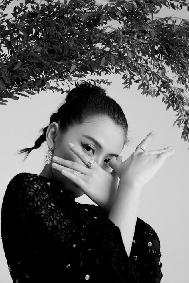 Bất ngờ nhan sắc Dương Mịch thuở niên thiếu: Kém xa đồng nghiệp, khác một trời một vực so với hiện tại? - ảnh 7